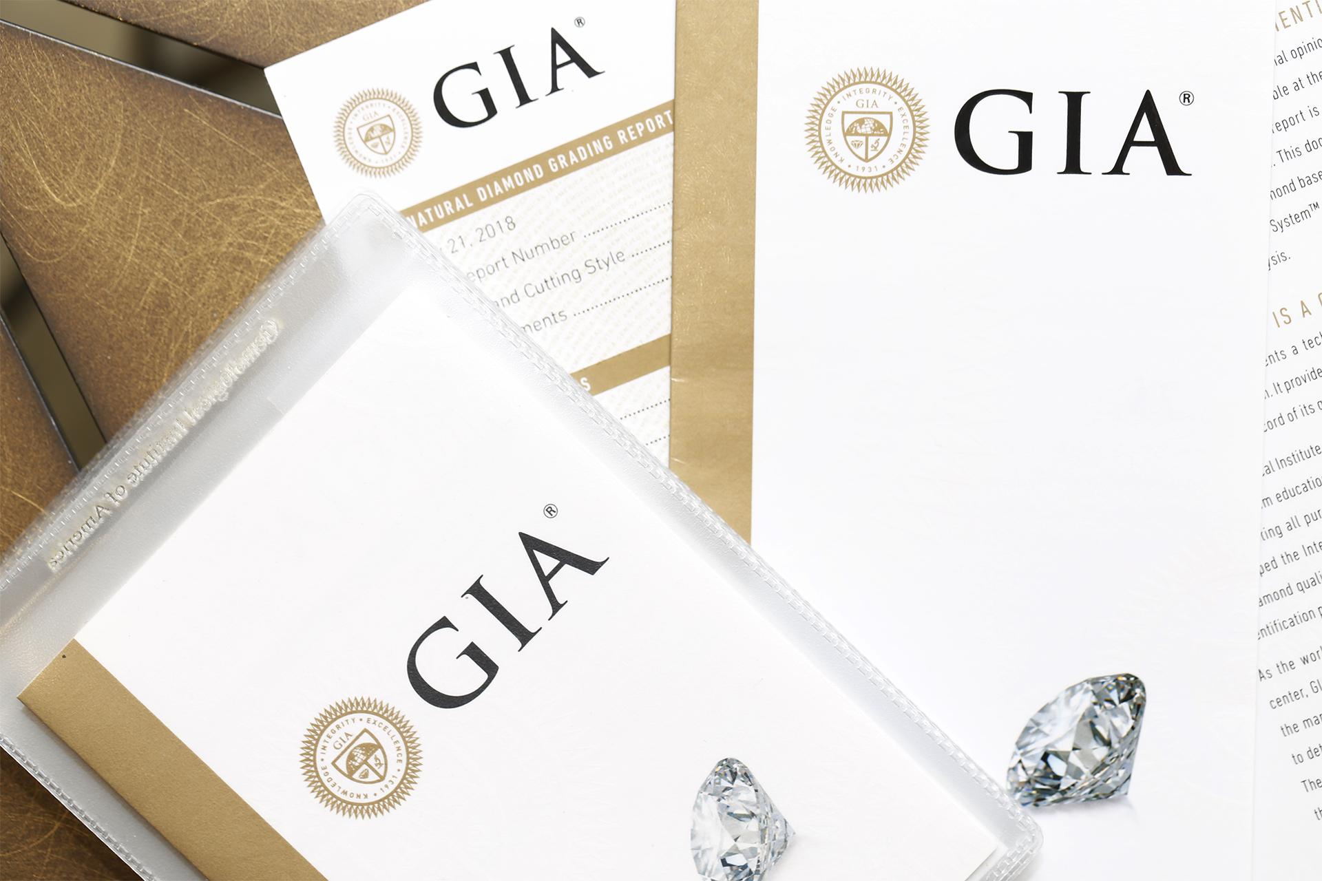 鑽石一定要買有GIA證書的鑽